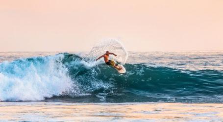 Australia's Mick Fanning wins fourth surf title at Bells Beach